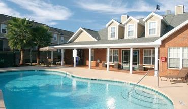 College Club Townhomes Apartment for rent in Tallahassee, FL