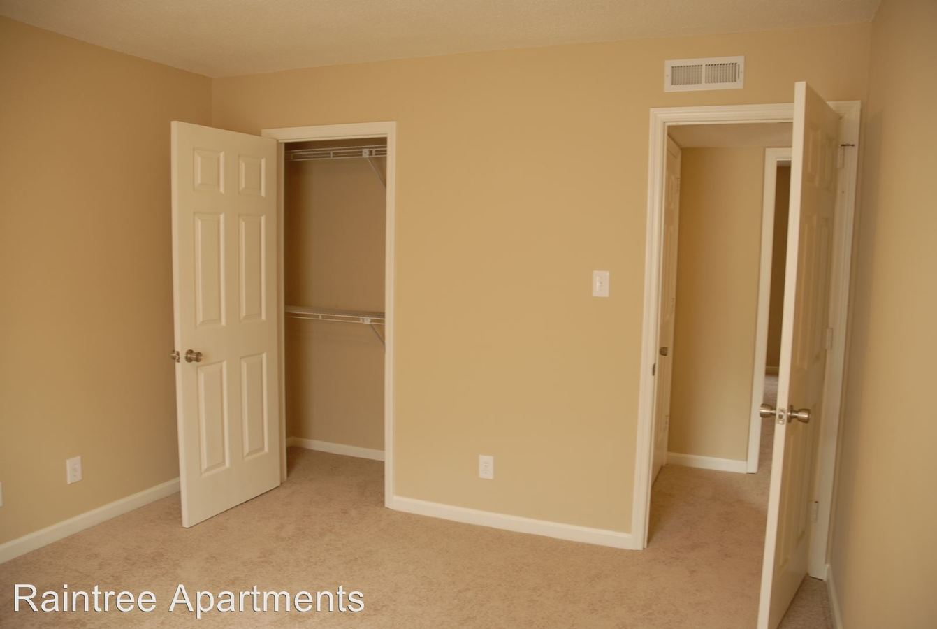 2 Bedrooms 1 Bathroom Apartment for rent at Raintree Apartments in Knoxville, TN