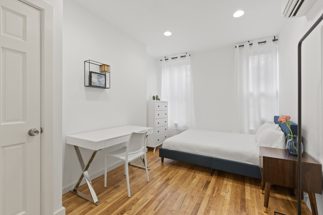 1 Bedroom 1 Bathroom Apartment for rent at Private Furnished Bedroom In Shared Apartment. Comfortable 4 Bed 2 Bath, Flexible Lease in New York, NY