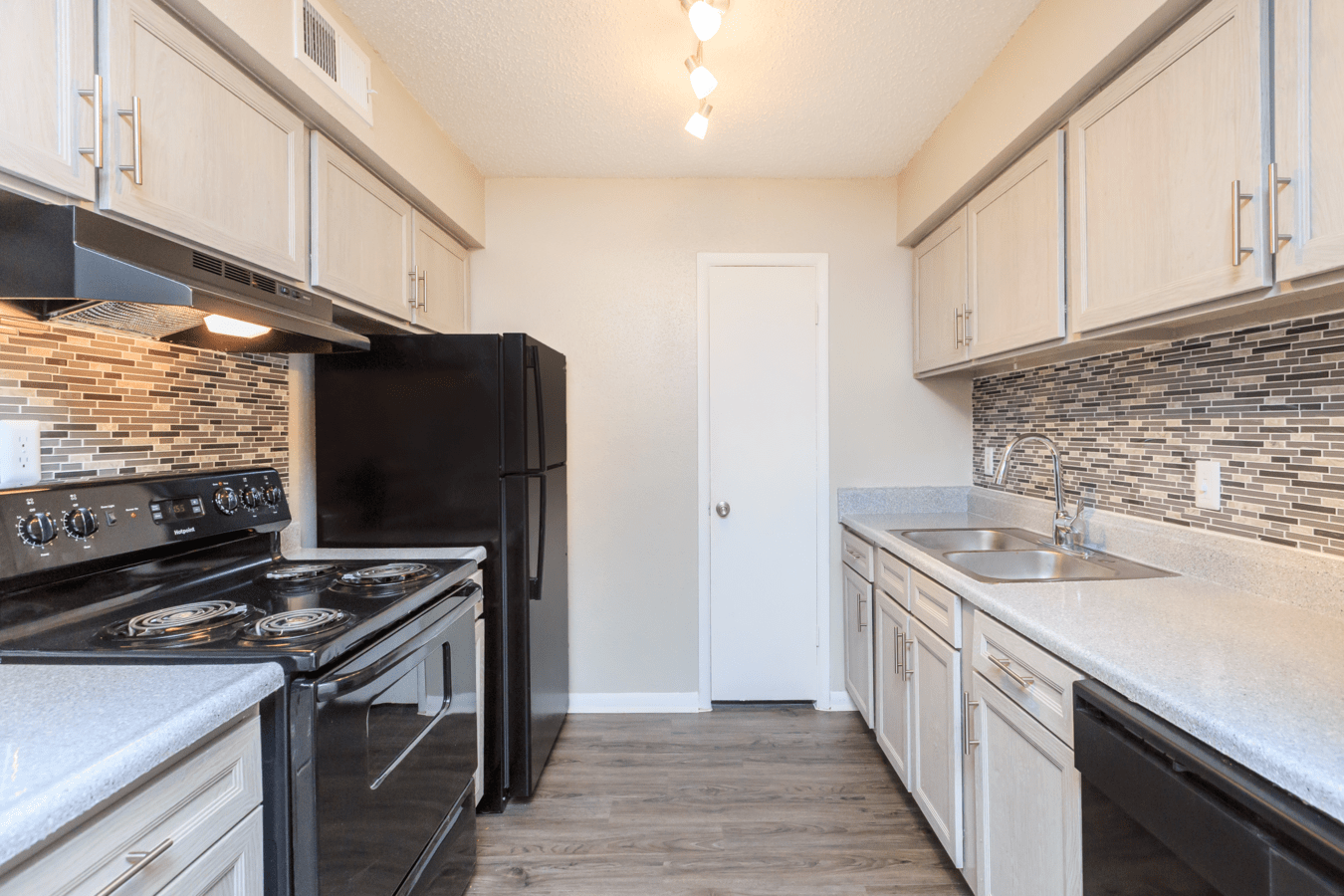 2 Bedrooms 1 Bathroom Apartment for rent at Envue Square in Houston, TX