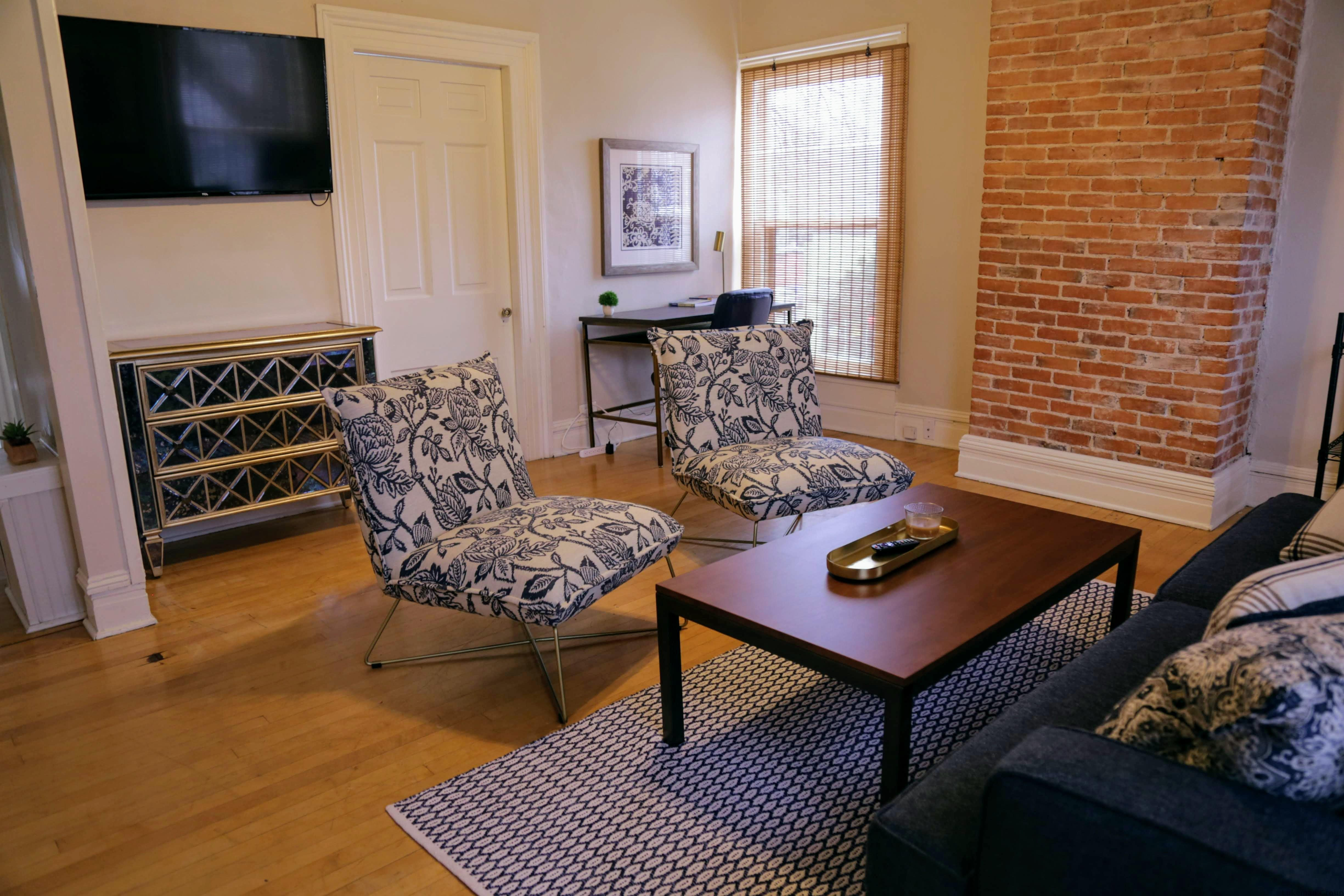 447 W Vine St for rent