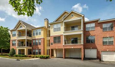 Colonial Grand At Beverly Crest Apartment for rent in Charlotte, NC