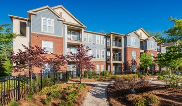 Colonial Grand At Matthews Commons Apartment for rent in Charlotte, NC