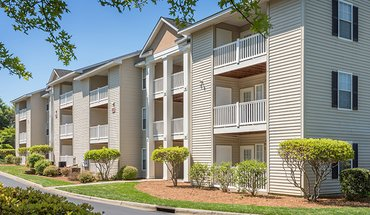 Similar Apartment at Colonial Village At South Tryon