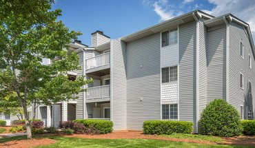 Colonial Village At Greystone Apartment for rent in Charlotte, NC