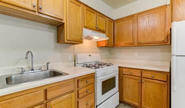Quadrangle Townhomes Apartment for rent in Waynesboro, VA