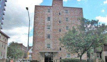 Similar Apartment at 445 W Johnson St