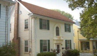 Similar Apartment at 141 Lathrop St