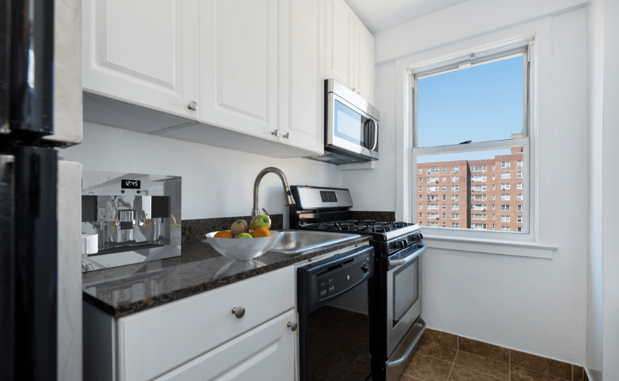 1 Bedroom 1 Bathroom Apartment for rent at Savoy Park in Manhattan, NY