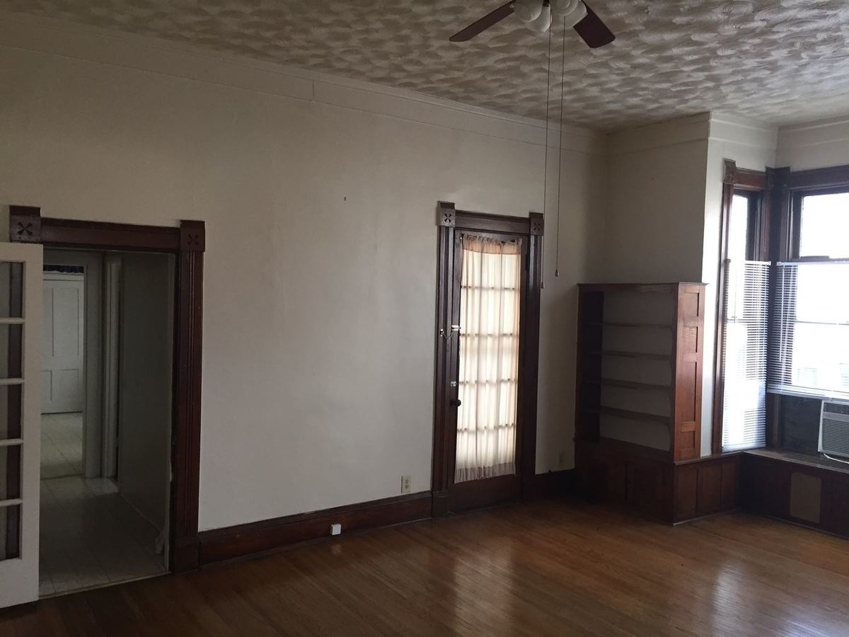 1 Bedroom 1 Bathroom Apartment for rent at 736-740 E. Walnut in Springfield, MO