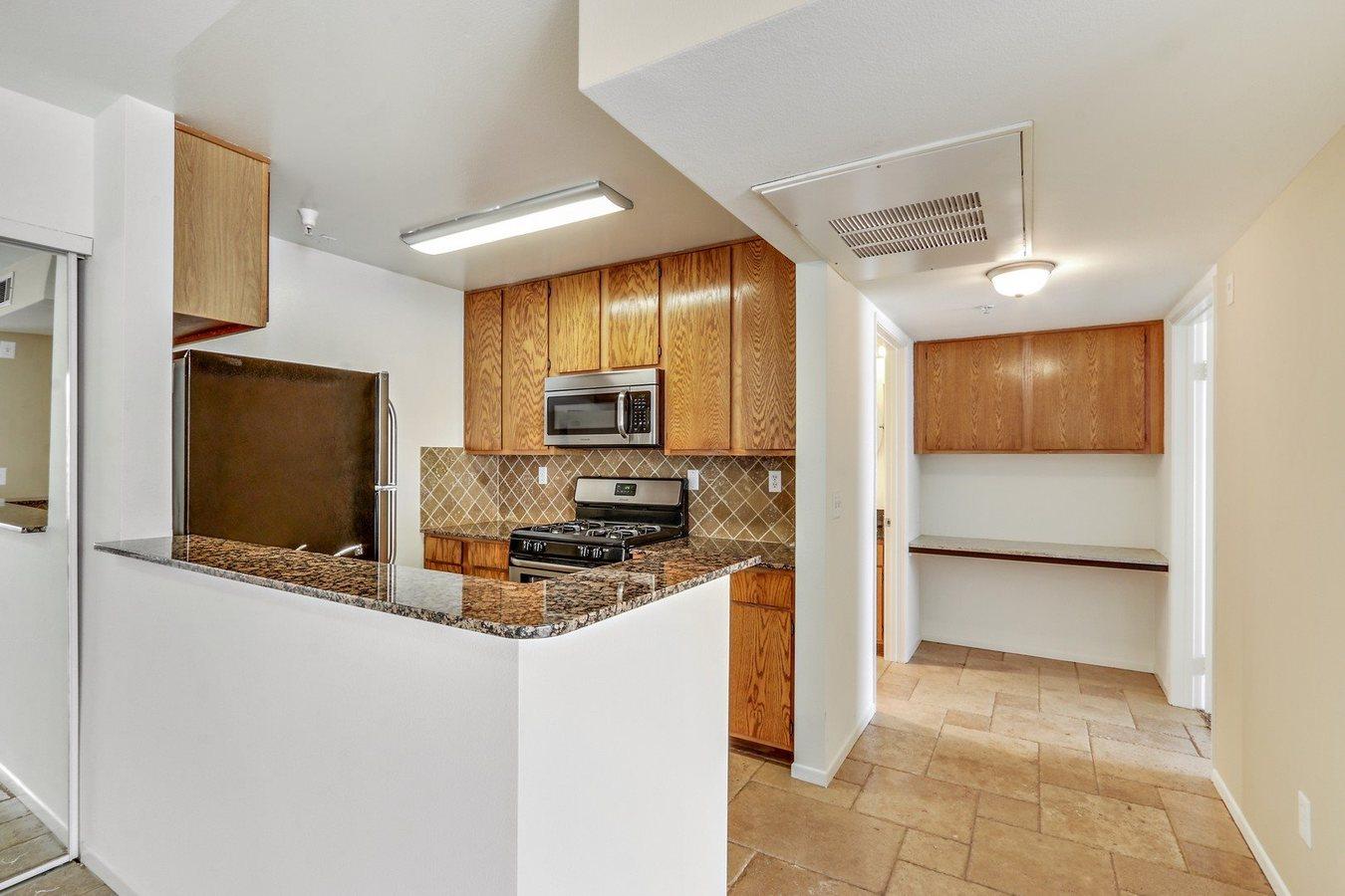 2 Bedrooms 2 Bathrooms Apartment for rent at Sophia Ridge in Reseda, CA