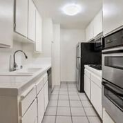 3 Bedrooms 2 Bathrooms Apartment for rent at Riverside Deluxe Apartments in Sherman Oaks, CA