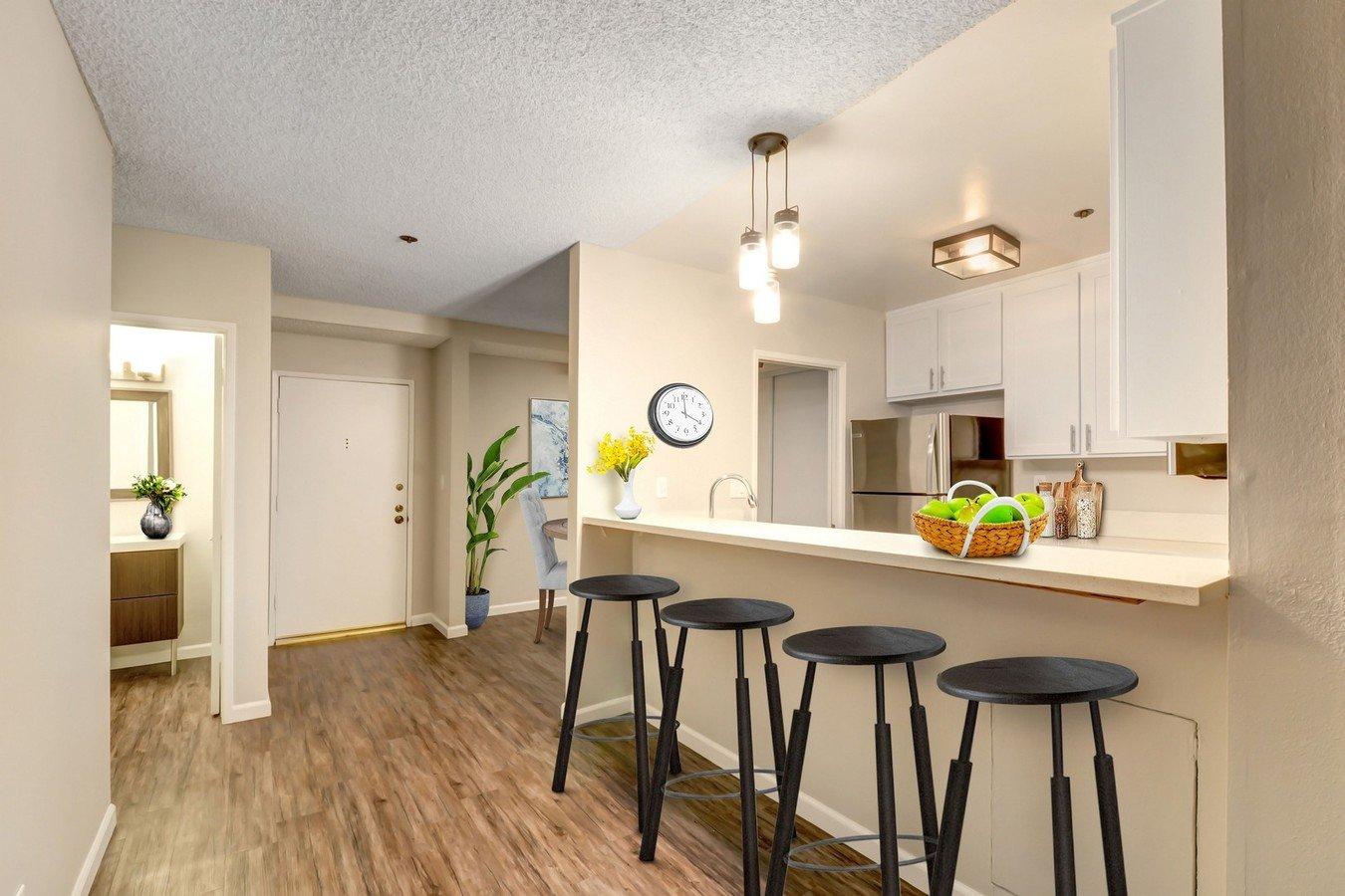 1 Bedroom 1 Bathroom Apartment for rent at Montana Avenue in Santa Monica, CA