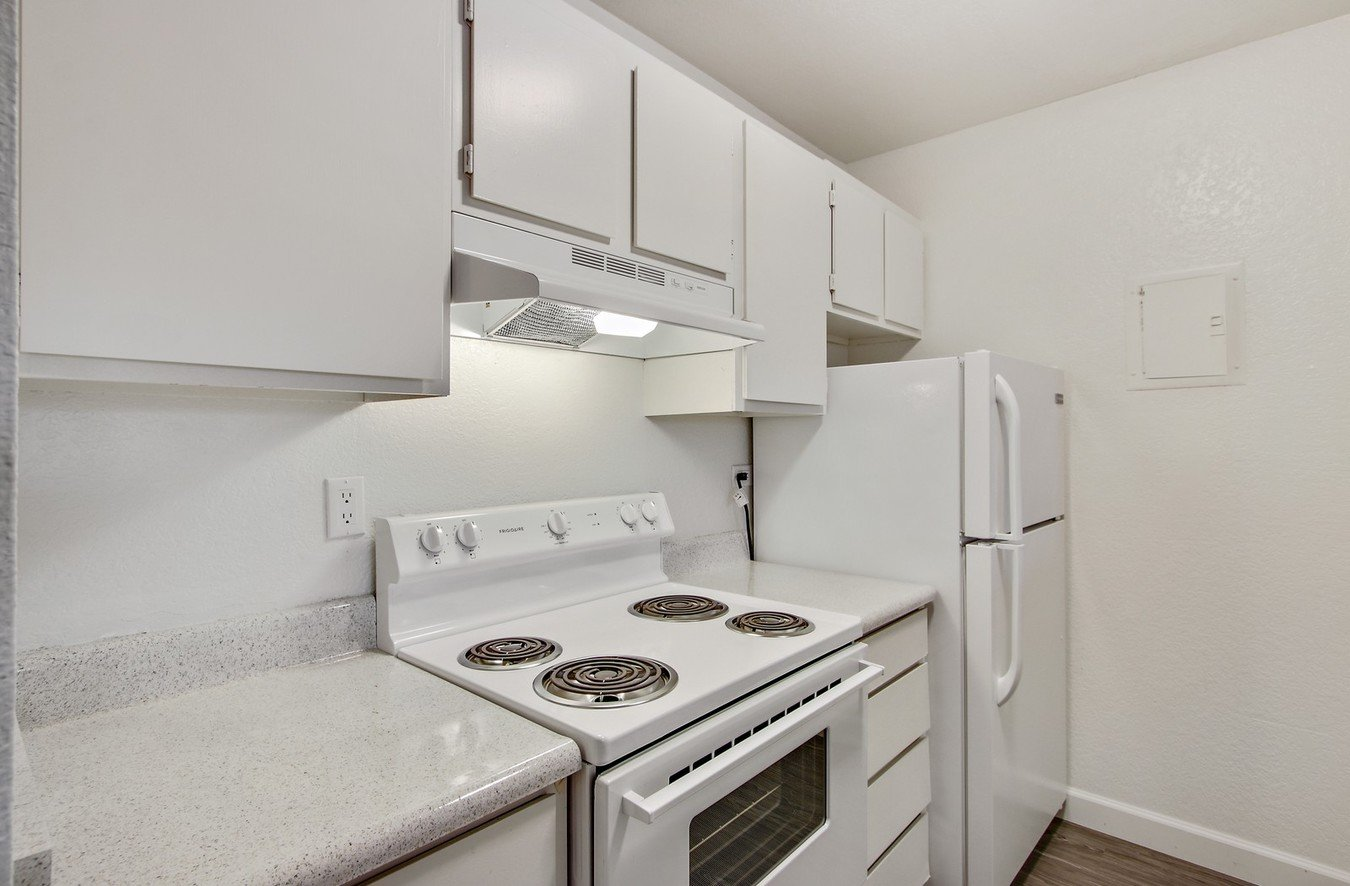 1 Bedroom 1 Bathroom Apartment for rent at Garden Green Apartments in North Hollywood, CA