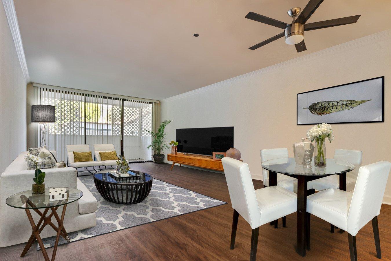 2 Bedrooms 2 Bathrooms Apartment for rent at Montana Avenue in Santa Monica, CA