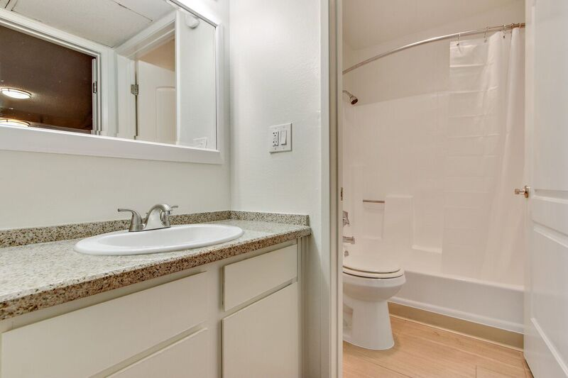 1 Bedroom 1 Bathroom Apartment for rent at Tremont Apartments in Los Angeles, CA