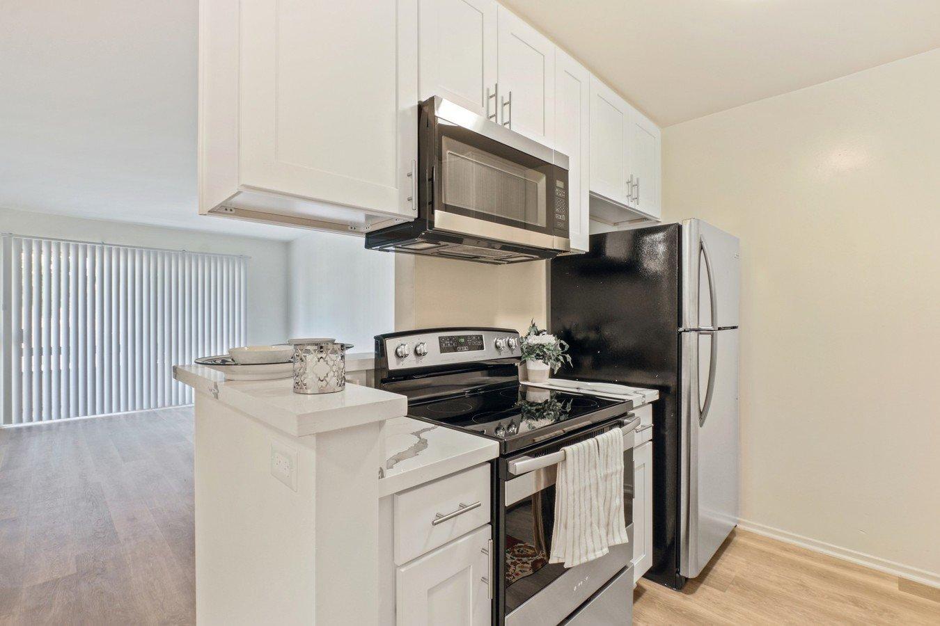 1 Bedroom 1 Bathroom Apartment for rent at Natick Park in Sherman Oaks, CA