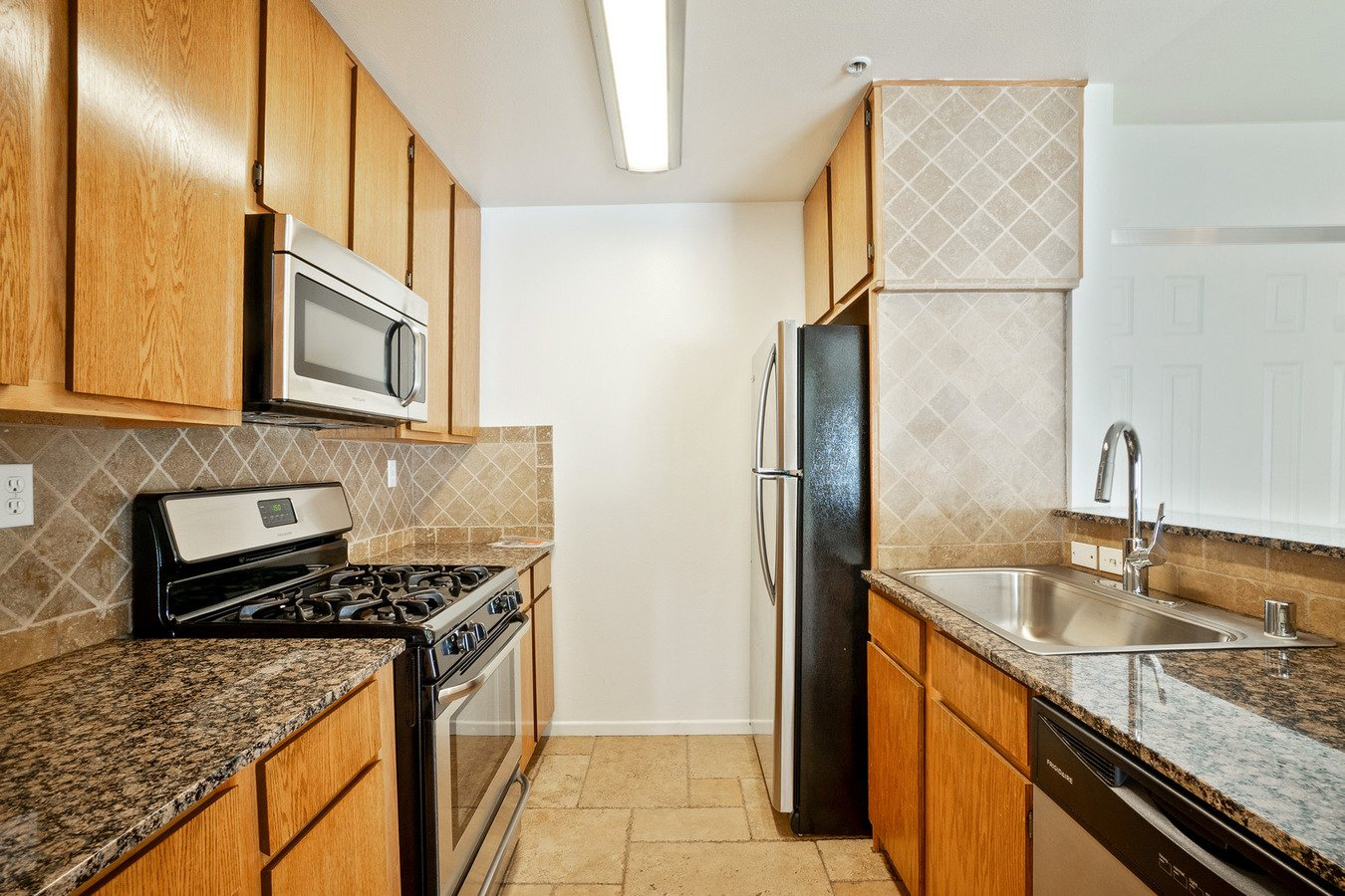 1 Bedroom 1 Bathroom Apartment for rent at Sophia Ridge in Reseda, CA