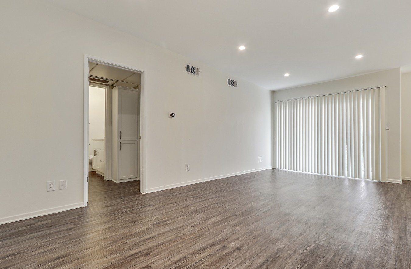 1 Bedroom 1 Bathroom Apartment for rent at The Montecito in Van Nuys, CA