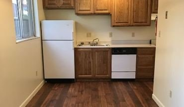 Campus Walk Lincoln North Apartment for rent in Bloomington, IN