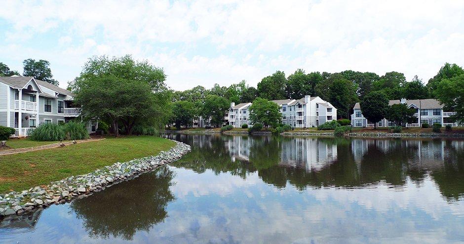 Runaway Bay Apartments Charlotte Nc