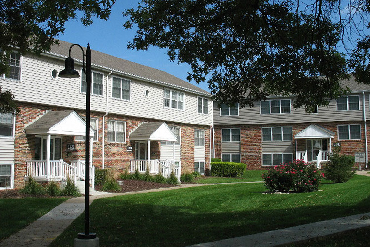 Pacific Gardens Apartments