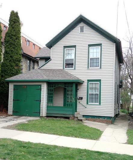 5 Bedrooms 2 Bathrooms Apartment for rent at 519 W Wilson St in Madison, WI