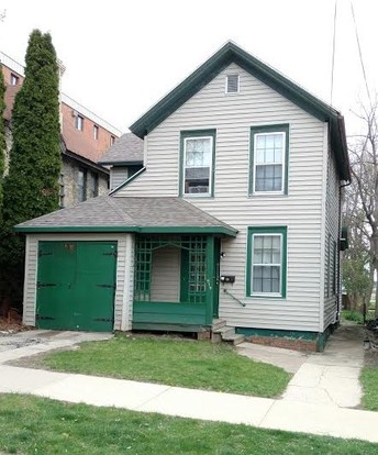 5 Bedrooms 2 Bathrooms Apartment for rent at 519 W. Wilson Street in Madison, WI