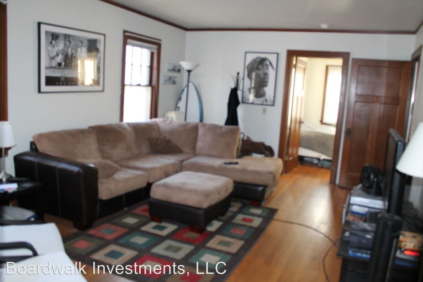 3 Bedrooms 1 Bathroom Apartment for rent at 2008/2010 University Ave. in Madison, WI