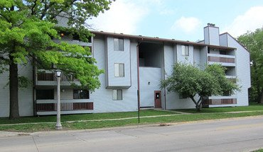 903 N. Lincoln Apartment for rent in Urbana, IL