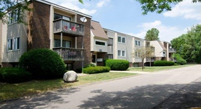 Carriage Hill East Apartment for rent in East Lansing, MI