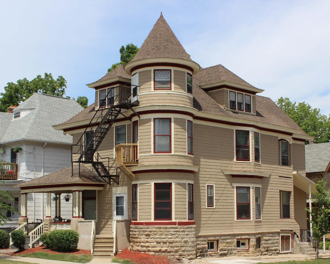 3 Bedrooms 1 Bathroom House for rent at 301 N. Pinckney Street in Madison, WI