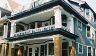 Similar Apartment at 438 W Washington Ave