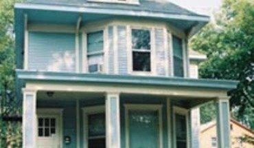 Similar Apartment at 418 W Washington Ave