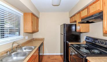 Similar Apartment at Rolling Meadows