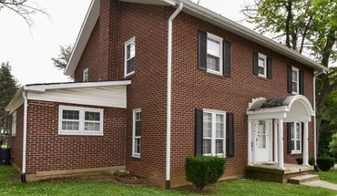1818 E Third St Apartment for rent in Bloomington, IN