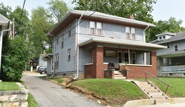 519 S Park St Apartment for rent in Bloomington, IN