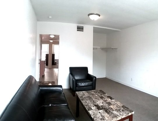 2 Bedrooms 1 Bathroom Apartment for rent at 1012 S. First in Champaign, IL