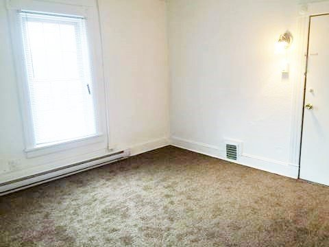 1 Bedroom 1 Bathroom Apartment for rent at Stoughton Place in Urbana, IL