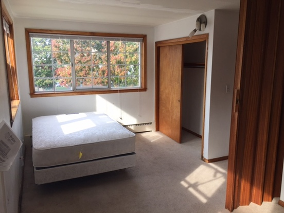 1 Bedroom 1 Bathroom Apartment for rent at 1010 S. First in Champaign, IL
