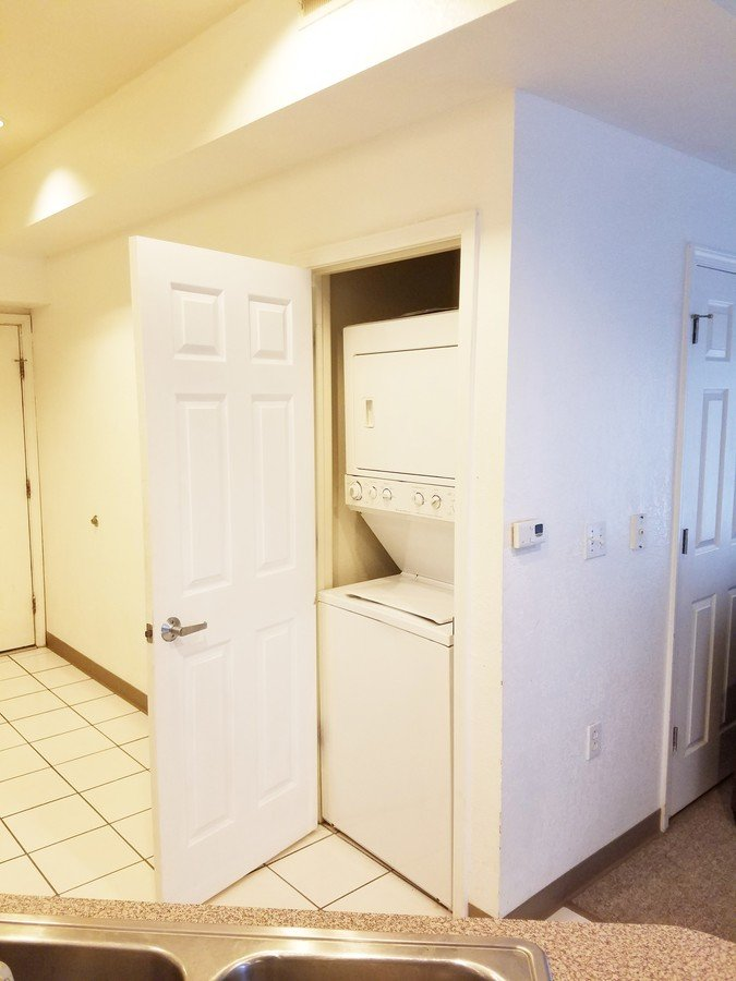 2 Bedrooms 1 Bathroom Apartment for rent at Parkview Terrace in Champaign, IL