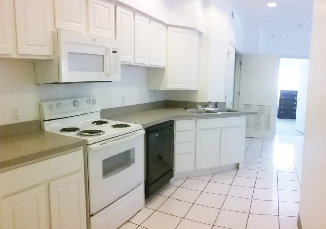 3 Bedrooms 2 Bathrooms Apartment for rent at Parkview Terrace in Champaign, IL
