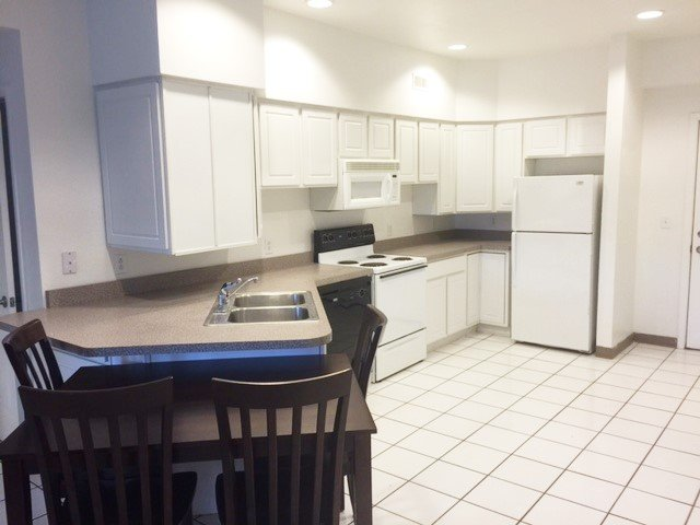 4 Bedrooms 2 Bathrooms Apartment for rent at Parkview Terrace in Champaign, IL