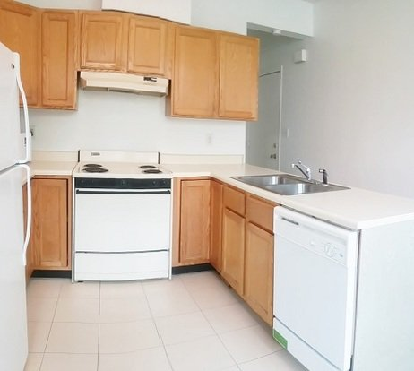 3 Bedrooms 1 Bathroom Apartment for rent at Sherwood Lodge in Champaign, IL