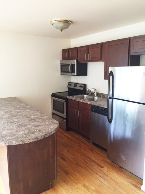 2 Bedrooms 2 Bathrooms Apartment for rent at The New Yorker in Urbana, IL