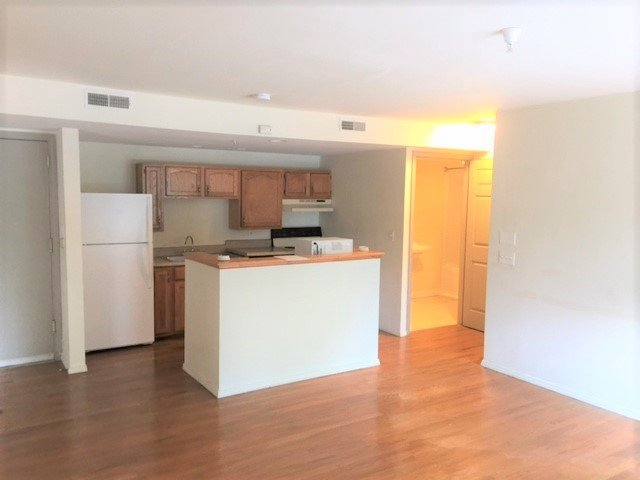 2 Bedrooms 1 Bathroom Apartment for rent at The New Yorker in Urbana, IL