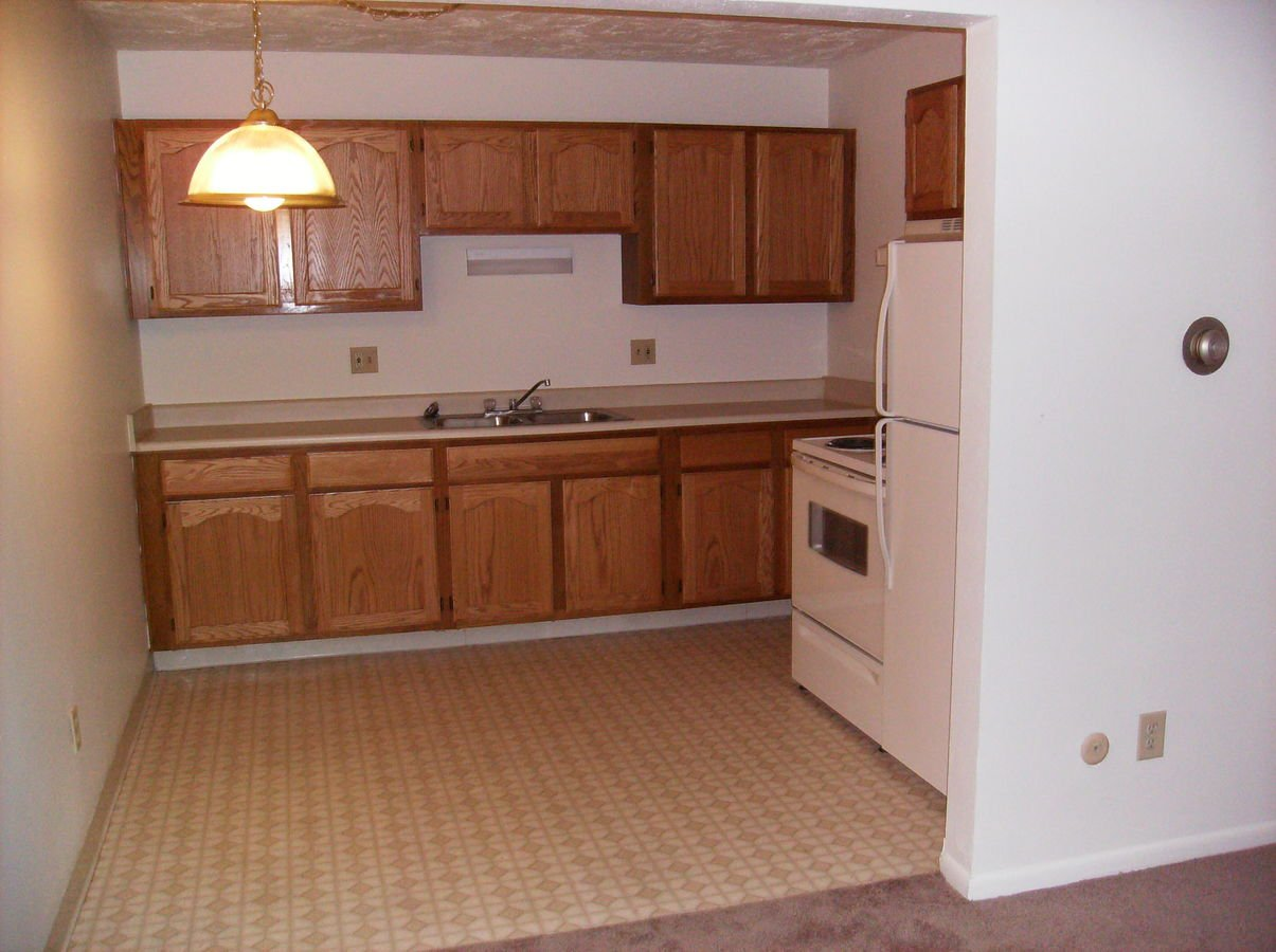 Studio 1 Bathroom Apartment for rent at Colonial Place Apartments in Lansing, MI