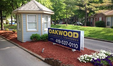 Oakwood Apartments And Townhomes