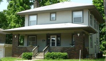 415 N Lincoln St Apartment for rent in Bloomington, IN