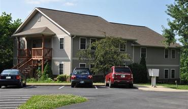 Hilltop Court Apartment for rent in Bloomington, IN